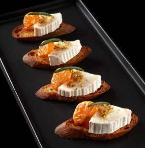 Bûcheron Crostini with Clove-glazed Tangerines and Rosemary Pecan Breadcrumbs